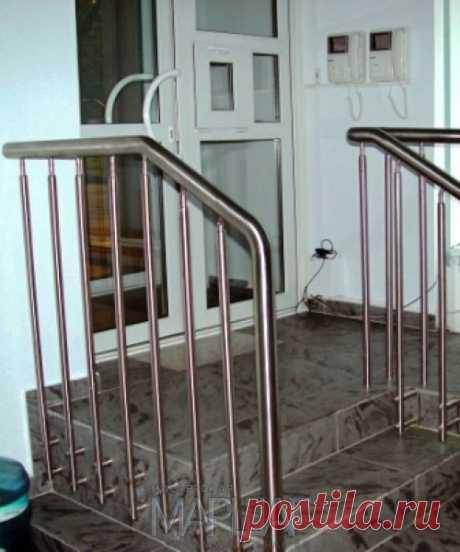 Лестницы, ограждения, перила из стекла, дерева, металла Маршаг – Нержавеющие перила лестницы