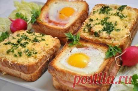 Необычные и вкусные бутерброды к завтраку Ингредиенты: -16 кусочков белого тостерного хлеба (у нас это ровно одна булка); -8 пластин ветчины (копченого мяса); -1-2 помидора; -200 г грибов, -4