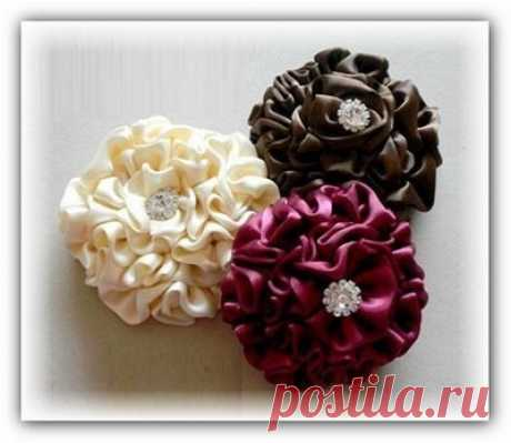Цветы из атласных лент: мастер-класс