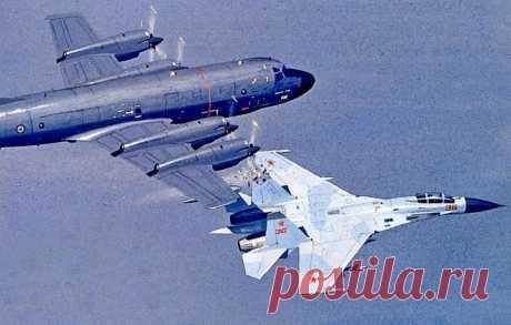 Как советский летчик проучил пилотов НАТО Последние несколько лет представители стран НАТО постоянно жалуются, что российские истребители проходят от их воздушных судов на опасном расстоянии. Очевидно, они забыли воздушных асов советских лет, которые доводили до нервных срывов пилотов западных стран, чуть ли не садясь им на голову...