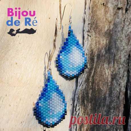 2 Petites gouttes d'eau 💦 pour fêter l'arrivée de la pluie et de l'automne ☔️. #bijoudere #jewellery #jewel #bijoux #earrings #miyuki #handmade #earrings #ideecadeau #perles #giftidea #gouttes #pluie #water #bouclesdoreilles