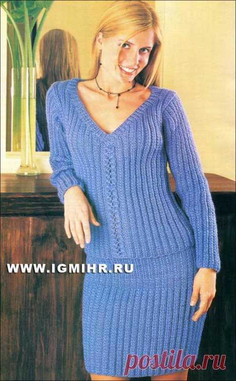 Модный дуэт: пуловер и юбка синего цвета, с фантазийными узорами. Спицы