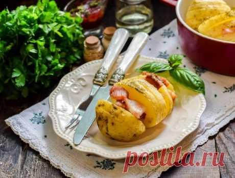 Картошка с беконом в микроволновке