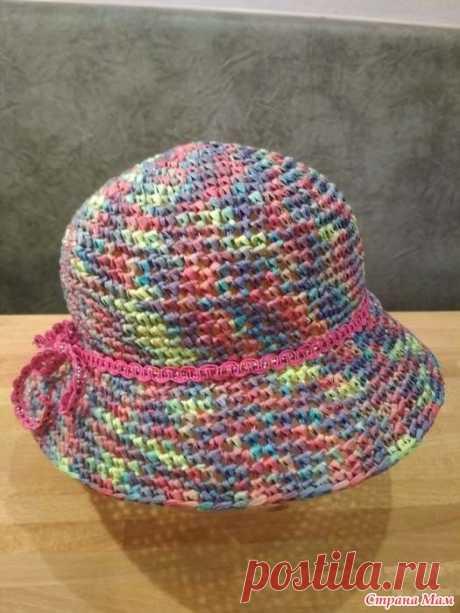 Шляпка из рафии - мой опыт вязания. Добрый день, рукодельницы! Я хочу поделиться своим опытом вязания шляпок из пряжи Рафия от Katia. Может быть, и вам пригодится. В мотке 50г и 115 м, рекомендуют крючок 5,5-6 мм.