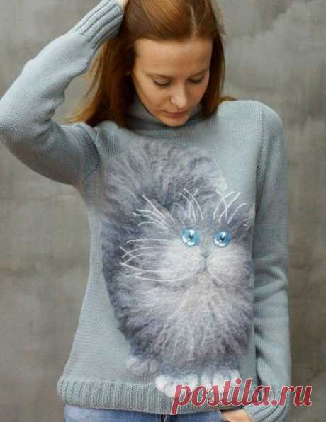 Вязаные свитера — вы таких еще не видели Очень красивые вязаные свитера, украшенные симатиШными котиками. Автор - Марина Смирнова.