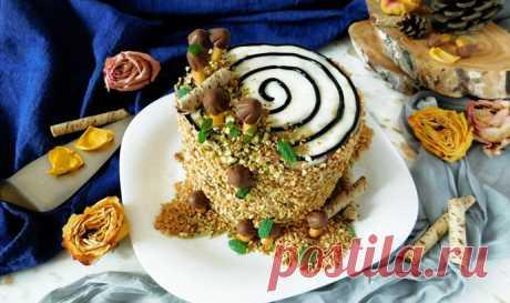 """Сказочный торт «Трухлявый пень»— десерт для детского праздника! Торт """"Трухлявый пень"""" из бисквитных коржей, с фруктовым наполнителем, сухофруктами и в меру сладким кремом, украсит любой праздничный стол или детский праздник"""