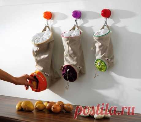 Мешок-носок для овощей. И овощи рассортированы, всегда сухие и под рукой. Беру на заметку.