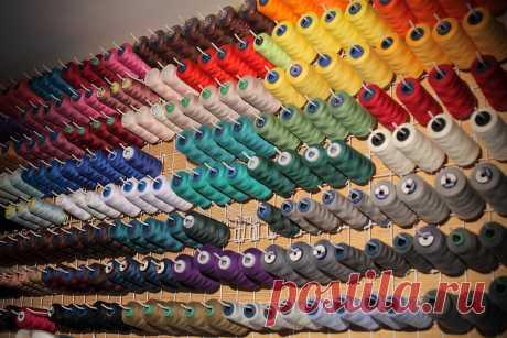 Какие швейные нитки я использую. Шью более 10 лет. Мой опыт. | yana.levashova.designer | Яндекс Дзен