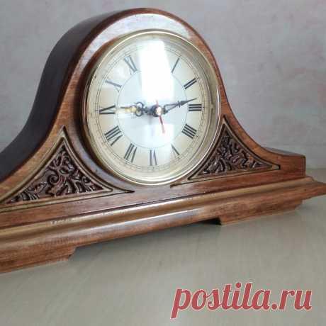 Часы каминные резные классические  ручной работы
