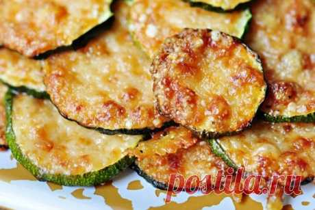 The recipe of vegetable marrows with cheese in an oven