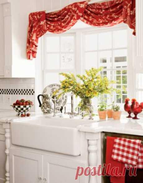 Много идей для уютных шторок на кухню                           источник