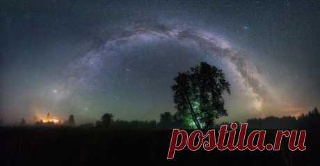 Ночь около села Пантыл, Кировская область. Автор фото: Михаил Устюжанин. Доброй ночи.