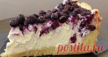 """Творожно-ягодный пирог с нежным тестом Пишу в общем, """"с ягодами"""", так как для этого пирога подходит куча разных ягод — черная и красная смородина, клюква, черника, вишня, голубика (с ней я,"""