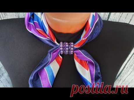 Брошь-зажим для платка или шарфа из бисера и бусин/Beaded brooch