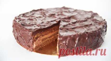 Торт «Шоколадный с клубникой», пошаговый рецепт с фото