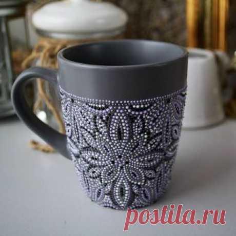 Кружка 360 мл. Керамика, матовый серый. Сначала хотела сделать мужской вариант росписи кружки но теперь понимаю, что и сама готова пить из нее чай! Единственный экземпляр , цена 150 грн. Пока в наличии.