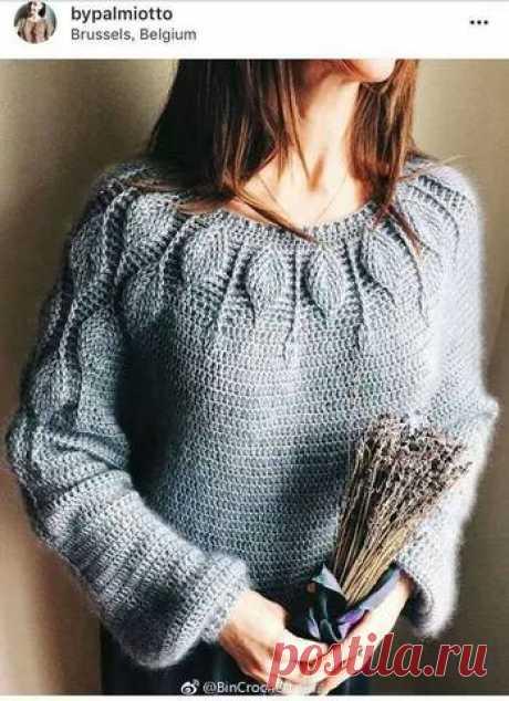 "Пуловер на круглой кокетке ""Листики"". Крючок"