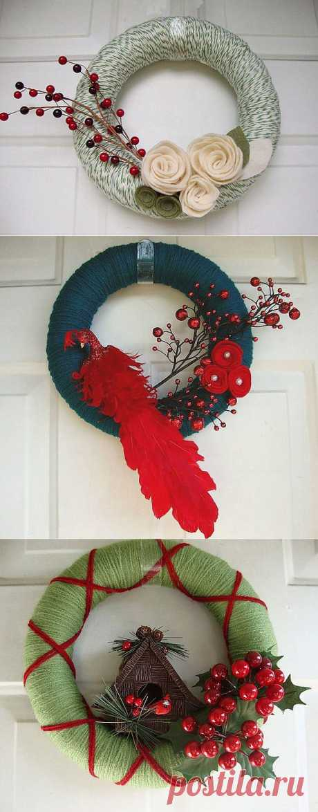 Веночек. Ниточки, фетр, сухоцветы, ленточки, бантики, лоскутки... вроде мелочь... а если все это собрать вместе, пободрать по цвету, намотать на основу, приложить руки и фантазию - можно получить вот такие замечательные празднично-подарочные веночки!!!