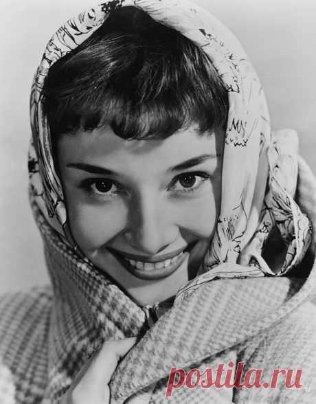 Вспоминая Одри Хепберн, урождённую О́дри Кэ́тлин Ра́стон (04.05.1929-20.01.1993)... Цитаты, фото и фильмы (6 х/ф и 2 д/ф).