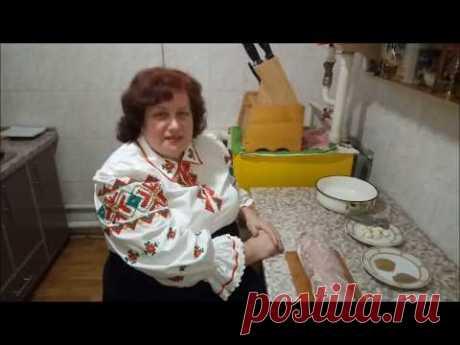 Сыровяленое мясо - ПаляндвіцаРецепт «Полендвица»: Свинина (вырезка) — 1 кг Сахар- 1 ст. л. Соль — 3 ст. л. с верхом (100 грамм) Чеснок (5 зубчиков) — 1 головка. Кориандр (молотый) — 1 ч. л. Перець черный (молотый) — 1 ч. л.  Рецепт «Полендвица»:  Мясо, сначала натереть сахаром. Подождать 15 минут, чтобы сахар растворился. Потом солью и смесью перца и кориандра. Чеснок измельчить на чесночнице. Натереть чесноком. Положить в миску. Оставить в холодильнике на 3 суток. Перевор...