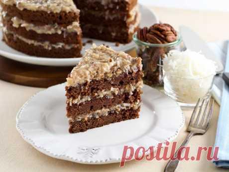 Шоколадный торт «Фантастика»     Ингредиенты для теста: Мука – 2 стакана Кефир или простокваша — 300 гр Сахар – 1 стакан Яйца – 2 шт Растительное масло – 2 ст.л. Какао – 2-3 ст.л. Сода – 1 ч.л. Ингредиенты для сметанного крема: С…