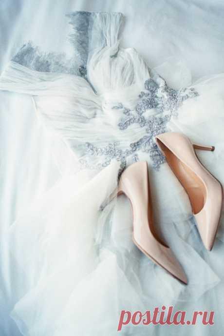 Классический свадебный стиль — элегантный, торжественный, но при этом сдержанный, без излишеств — это то, что всегда будет прекрасно ❤
