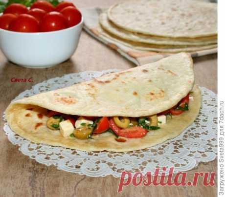Итальянские лепешки (Piadina) с салатом. Пошаговый рецепт с фото