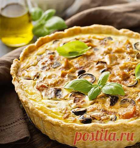 Французская кухня: киш с курицей, баклажанами и маслинами