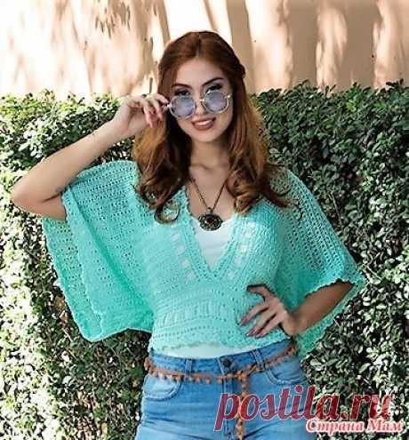 """Яркая блуза """"Bata Turquesa"""" Ярко-бирюзовая короткая блузка с свободными рукавами и широким поясом выглядит очень эффектно сексуально и по летнему ярко. Вяжется блуза из двух прямоугольников."""