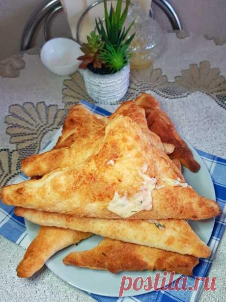 Треугольники с сыром и колбасой рецепт с фото пошагово