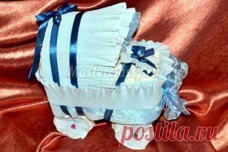 Подарок малышу своими руками. Коляска из подгузников. Мастер-класс с пошаговыми фото