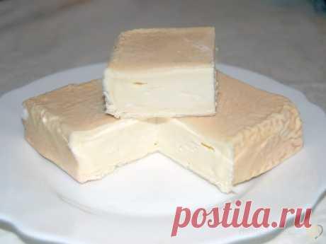 Рецепт сыра Пон-Левек это один из вкуснейших и древнейших французских мягких сыров, который в настоящее время, к сожалению, незаслуженно остается в тени. Вкус этого сыра очень комплексный, насыщенный, сладковатый, сливочный, текстура открытая, маслянистая, мягкая, но не текучая и не резиновая. Сделать такой красивый и сложный сыр - это настоящее испытание для сыродела-любителя   ажурный реглан шарф спицами ажуры ромбы