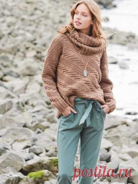 Пуловер с рельефным узором и шарф-снуд