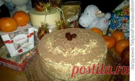 Это мой любимой торт детства. Мама всегда пекла его на Новый год и на мой День рождения. Очень просто готовится