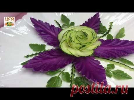 Впечатляющие цветы из огурцов и цветы из фиолетовой капусты.