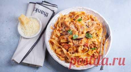 Идеальный ужин: сливочно-томатная паста с ассорти из грибов — Фактор Вкуса