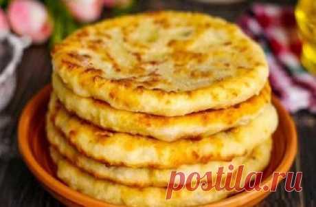 На завтрак муж всегда просит пожарить лепешки с сыром: готовлю их на минералке