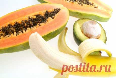 Холодная маска-лифтинг из банана и папайи с вином Когда на столе находятся два аппетитных фрукта и рядом стоит подходящий к ним напиток, хочется тотчас приступить к трапезе. Конечно, так и надо поступить, только прежде следует взять понемногу от кажд