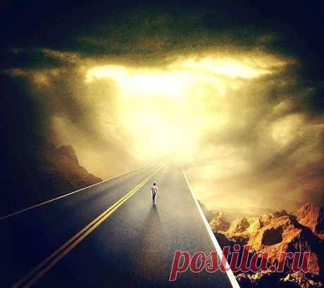 Пессимист видит только бесконечный тунель....Оптимист видит свет в конце тунеля