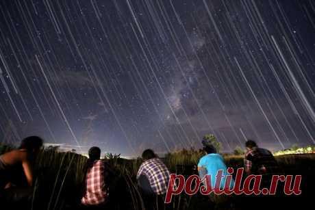 Где, как и когда можно наблюдать звездопад » Notagram.ru Когда можно наблюдать звездопад. Где и как можно наблюдать звездопад самому. Расписание метеоритных дождей по месяцам. Самые крупные метеоритные потоки.
