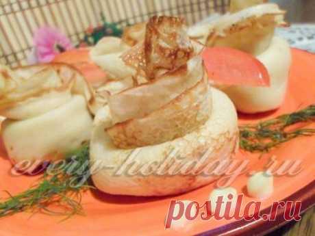 Закусочные розы из блинов - рецепт с фото