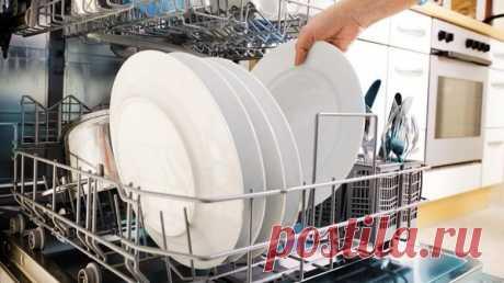 Порошок для посудомойки своими руками Кто обладает посудомоечной машиной, тот знает, что ежемесячная покупка моющих средств влетает обладателю чудо-агрегата в копеечку. Отчего этот не самый дешевый продукт бытовой химии такой бесценный? К счастью, у меня есть отличная новость: самодельные таблетки для мытья посуды совсем не сложно приготовить дома. Отличное решение для желающих сэкономить. Чтобы приготовить таблетки для посудомойки, тебе не […] Читай дальше на сайте. Жми подробнее ➡