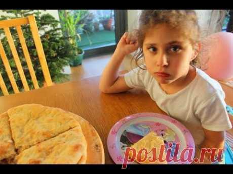 Осетинский пирог с капустой и сыром - Кабускаджын