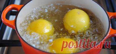 Сварите лимоны вечером и пейте жидкость, когда проснетесь…Вы будете потрясены результатами! Чрезвычайно важно как Вы начинаете свой день. Пить теплую лимонную воду по утрам в последнее время популярный шаблон. Но, это еще не «выжимаете» все свойства лимона, которые можно использовать. Употребляя теплую лимонную воду, Вы не позволяете использовать все супер питательные вещества мякоти и ко