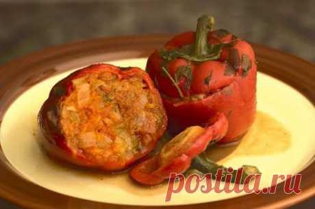 Фаршируем перцы: рецепты с необычными мясными начинками / Простые рецепты