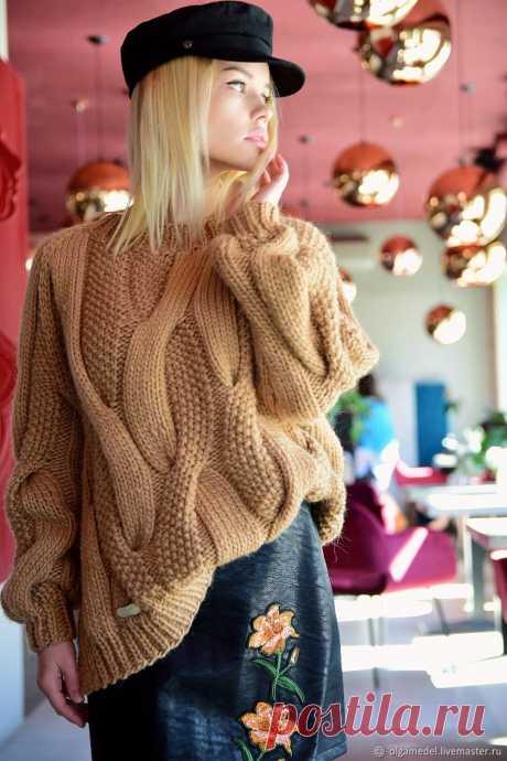 Объемный жемчужный свитер в цвете кэмел из шерсти – купить в интернет-магазине на Ярмарке Мастеров с доставкой Объемный жемчужный свитер в цвете кэмел из шерсти - купить или заказать в интернет-магазине на Ярмарке Мастеров | Нереальный объемный свитер крупной вязки станет…