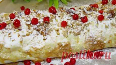 Быстрый десерт из творога с красной смородиной в лаваше