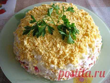 La ensalada hojaldrada «el Mar del placer». La ensalada simple en la preparación con rybkoy. Tal ensalada adornará cualquier mesa, asombrará agradablemente y alegrará a los invitados. La receta aquí - http:\/\/tut.kuxnimira.ru\/sloeny-j-salat-more-udovol-stviya\/