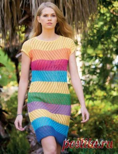 Платье спицами - женское цветное вязаное платье даже в серые будни подарит хорошее настроение