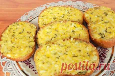 Рецепт горячих бутербродов с плавленым сыром и вареными яйцами